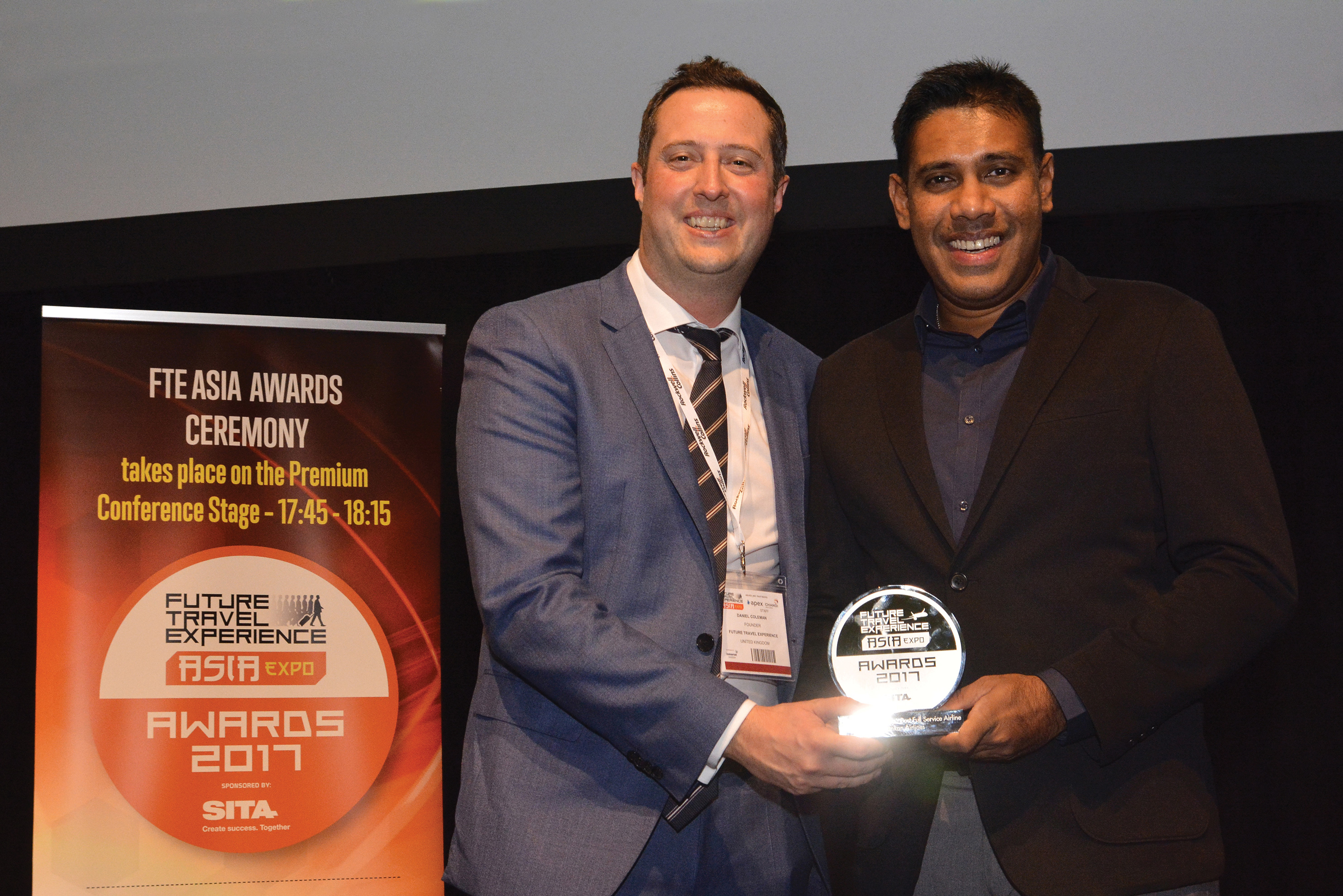 SriLankan Airlines Country Manager Singapore Mohan Meegolle(right) receiving the award at the Future Travel Experience Asia Awards 2017 last week